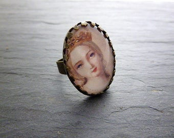 Portrait of woman mod.4 oval ring