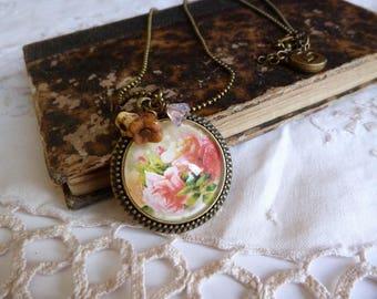 Vintage style pink cabochon necklace