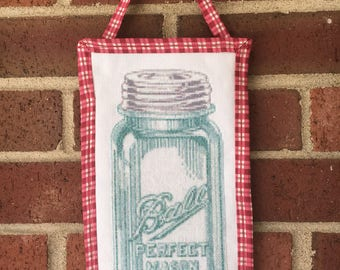 Vintage Mason Jar Quilted Wall Hanging