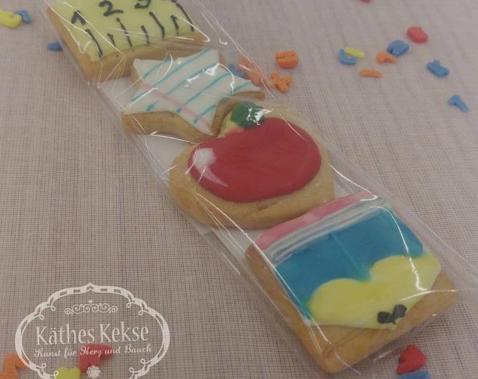 """Fantastische Kekse zur Einschulung, als Girlande oder mit Schleifchen, Aufschrift """"Schulkind"""", Farben nach Wunsch, Preis für 9 Kekse"""