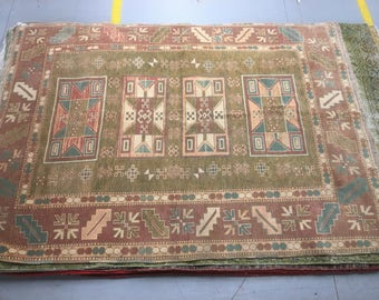 Beautiful rug 100%wool geometric pattern green blue red and brown color warm vintage rug old big rug heavy retro perfect in home,restaurant.