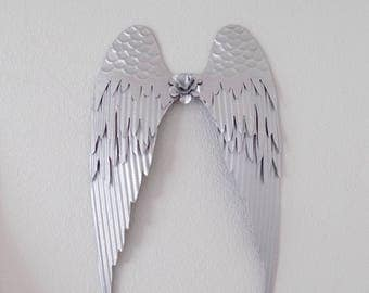 Metal Angel Wing Wall Decor