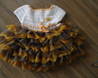 crochet with ruffled dress in size 6 months