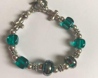 Beautiful Teal glass bracelet