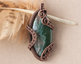 Moss Agate and copper pendant - Gemstone necklace - Crystals jewelries - Wirewrapping - Unisex gift