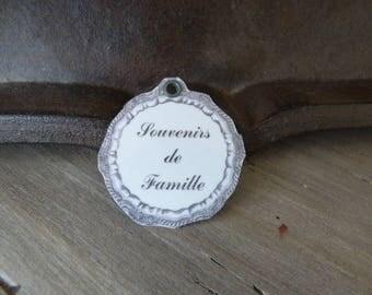 """Metal """"family memories"""" tag"""