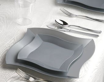 Kaya Collection - Deluxe Wave Silver Disposable Plastic Party Package - Includes Dinner Plates, Salad Plates, Silver Cutlery, Tumblers