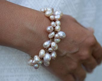 Freshwater Pearl Bracelet in 14K Gold Filled. Cluster Bracelet. Pearl bridal Jewelry. Handmade Bracelet. Bride beach. Gold Bracelet