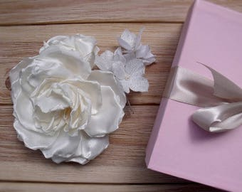 Wedding comb, comb with flower, Ivory flower, comb for the bride, rose for hair, rose ivory flower for hair, wedding accessory