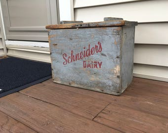 Early Schneider's Dairy Wood Front Porch Milk Delivery Box Original Condition !