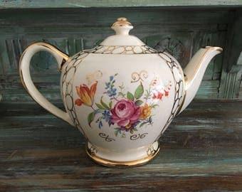 Beautiful sadler round full size teapot