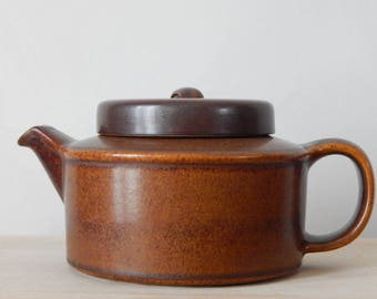 Arabia of Finland Ruska Teapot with strainer Stoneware Designed by Ulla Proscope Brown Stoneware 1970s