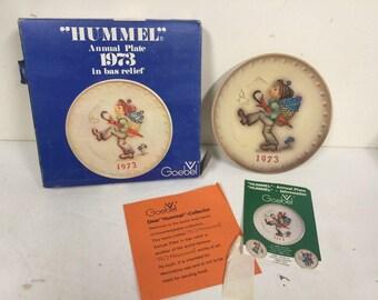 1973 Hummel Annual Plate Globe Trotter w/ Original Box Papers