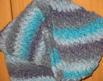 Grey blue changing plush yarn scarf