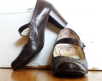 Brown leather Mary Janes size 6 Hera chunky Mary Jane brogue shoes  t strap heels shoes vintage 90s made in Portugal