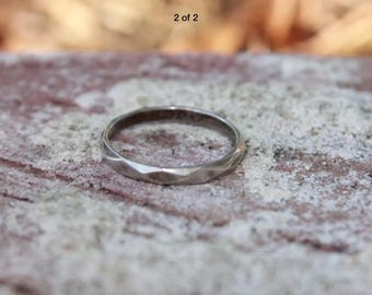 Unisex Sterling silver ring with grooves - size 8 - Wedding Simple Engagement