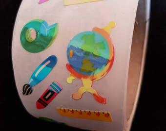 Plastic sticker roll with 50 breaks globe