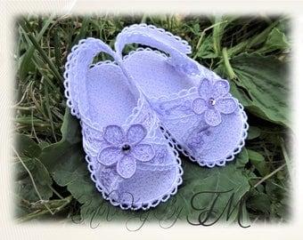 Baby sandals flowers ( nub.42) / Four sizes/ 5x7 hoop