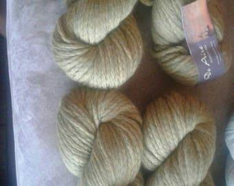 Green chunky wool yarn, chunky yarn, crochet yarn, wool yarn, green yarn
