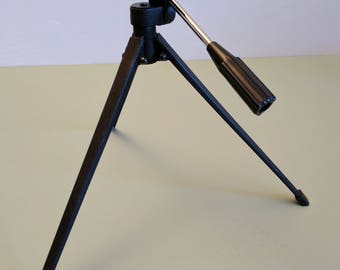 Metal Tabletop Tripod with tip/tilt head