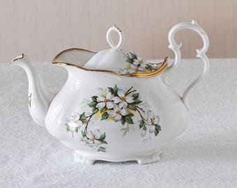 Rare Vintage Royal Albert White Dogwood Fine China Large Victorian Teapot Brushed Gold / Large White Dogwood Teapot / Victorian Style Teapot