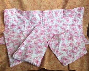 Flannel burp cloth & bandana bib gift set - 3 burp cloths and 1 bib - Pink Bow Print