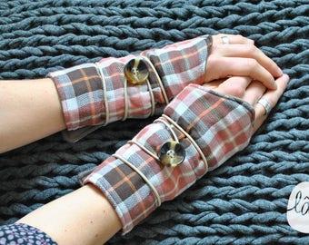 Fingerless gloves, wrist warmers Plaid