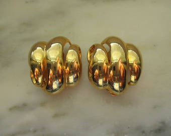 Vintage E.P. Gold Tone Button Clip On Earrings