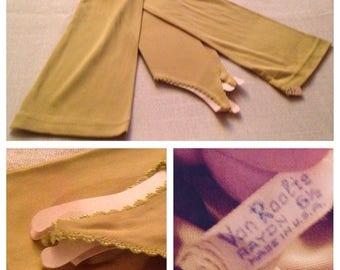 """On Sale Vintage Ladies Chartruese 21"""" Gloves"""