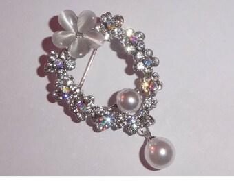 Rhinestone Brooch with faux pearls