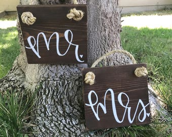 Wedding Signs - Mr. and Mrs. - Wedding Props - Wedding Chair Signs - Hanging Wedding Sign - Mr and Mrs Chair Signs - Wedding Props - Rustic