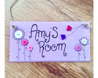 Bedroom door sign / flowers / little girl / gift / personalised gifts  / for girls  / Button Flowers