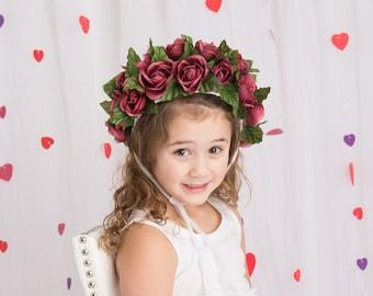 Red flower bonnet for girl