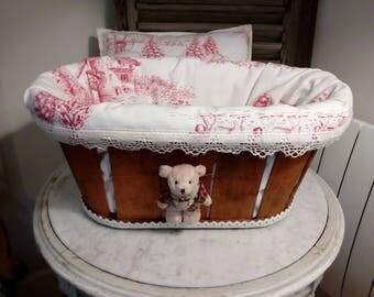 Storage basket, mountain decor