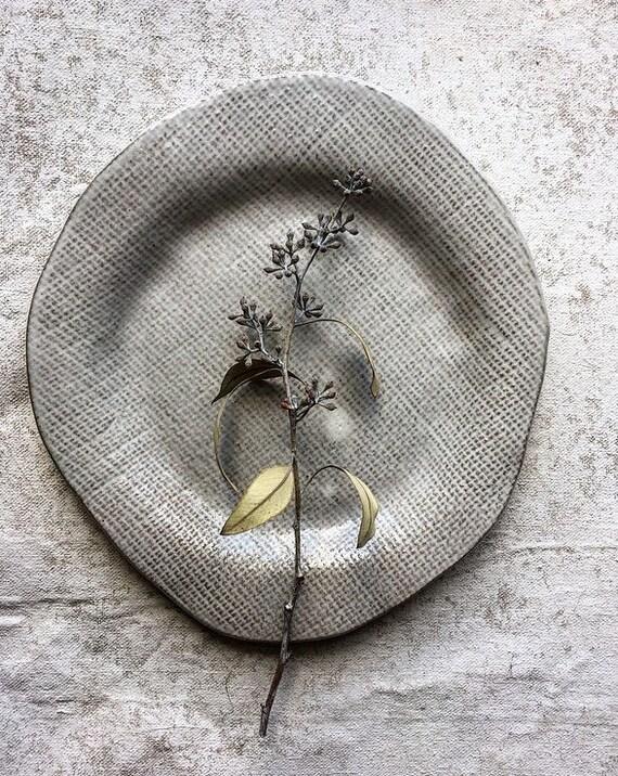 White Linen Plate2