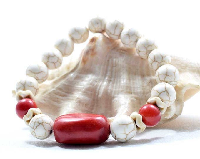 Women's Bracelet with Red Coral and White Howlite beads.