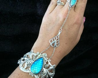 Glass scale harness bracelet with ring