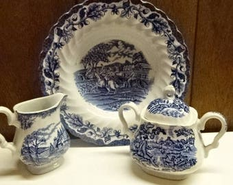 Myott Fine Staffordshire Ware/1 Bowl/1 Creamer/1 Lidded Sugar Bowl/Porcelain/Blue & White/Vintage