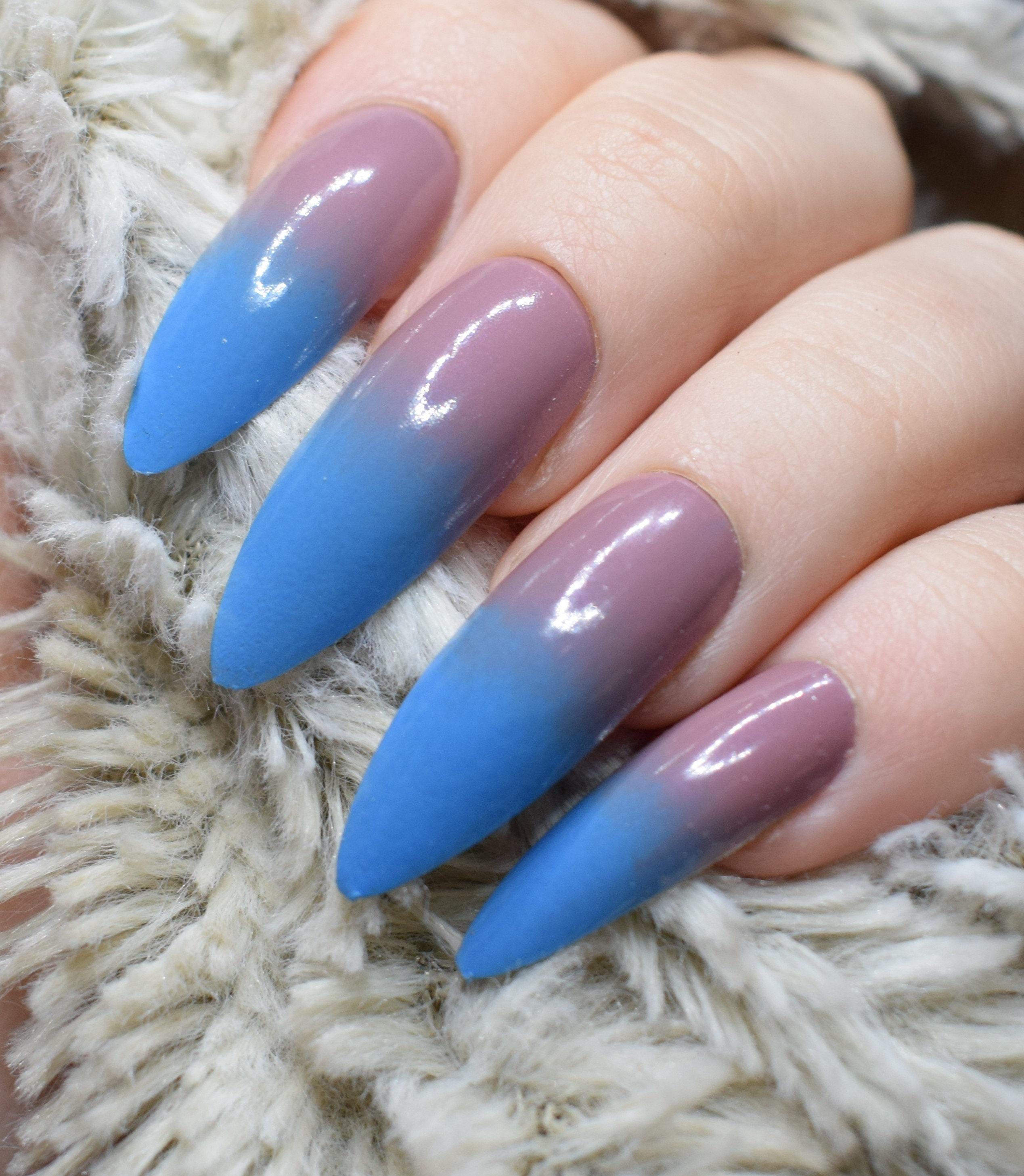 Nude Pink to Blue Fake Nails, Extra Long Stiletto False Nails, Hand ...