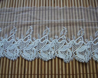 1.40 meters * 18cm embroidered tulle / Embroidered Tulle Lace - Ref. 1124