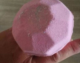 Sparkly Diamond Bath Bomb - Lush bubble gum scent