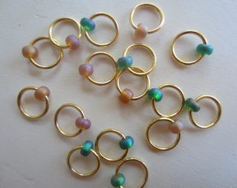 16 Stitch Markers with Bead / Snagless Round Ring Metal / Knitting