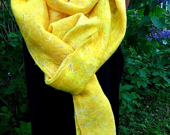 Nuno felt a scarf, felt scarf, a yellow scarf, a large scarf, a woolen scarf, a felt cape, a shawl, hand work, insane equipment.