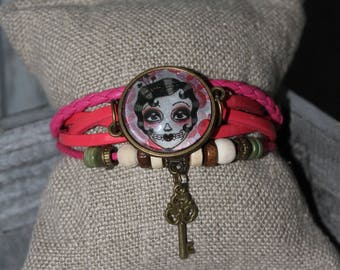 "Pink bracelet with cabochon ""Voodoo Art"""