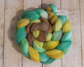 Butterfly, Hand dyed combed top, 4 oz, spinning or felting fiber, 100% Merino