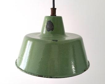 Olive green enamelware pendant lamp / hanging lamp / fixture (1)