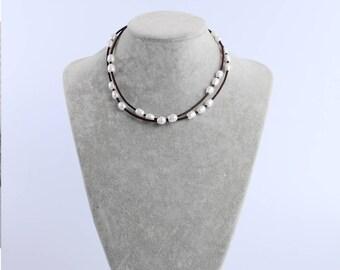 Pearl necklace choker,pearl choker,pearl necklace,pearl choker necklace,pearl leather necklace,leather choker,for women,bridal,bridesmaid