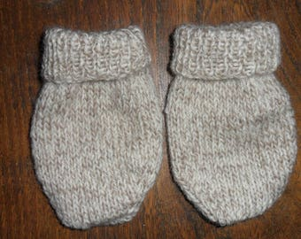 adorable pair of mittens in wool