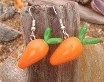 pair of earrings in polymer clay carrot orange