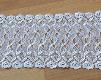 Lace between two white lace with width 16 cm